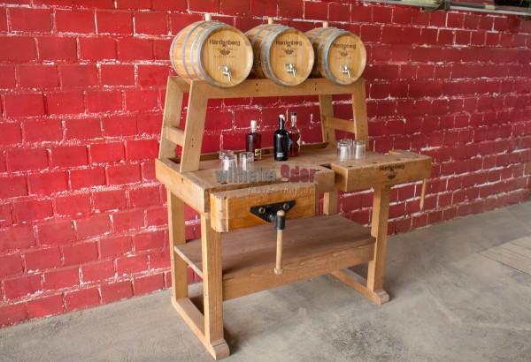 Counter arrangement - workbench with three barrels