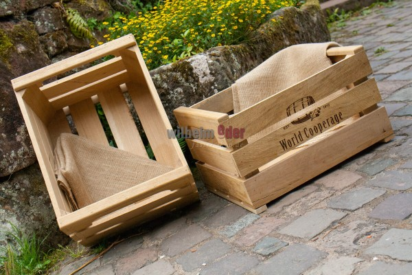 Urban gardening box made of staves