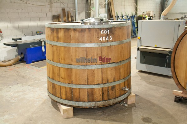 Used Vat fom Herb liqueur ca 4000 l - with equipment