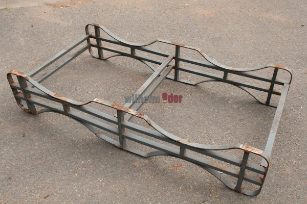 Painted metal racks for 225 l barrels – special item, used