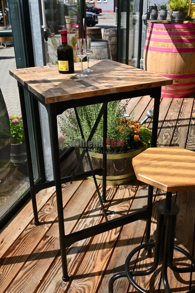 Bar table with barrel wood covering